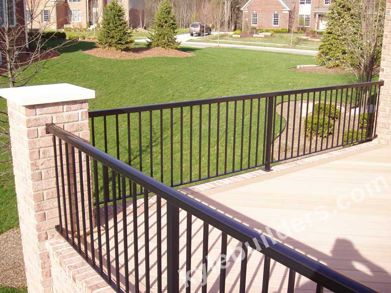 Kyle Builders Decks Aluminum Railing Fencing In Michigan