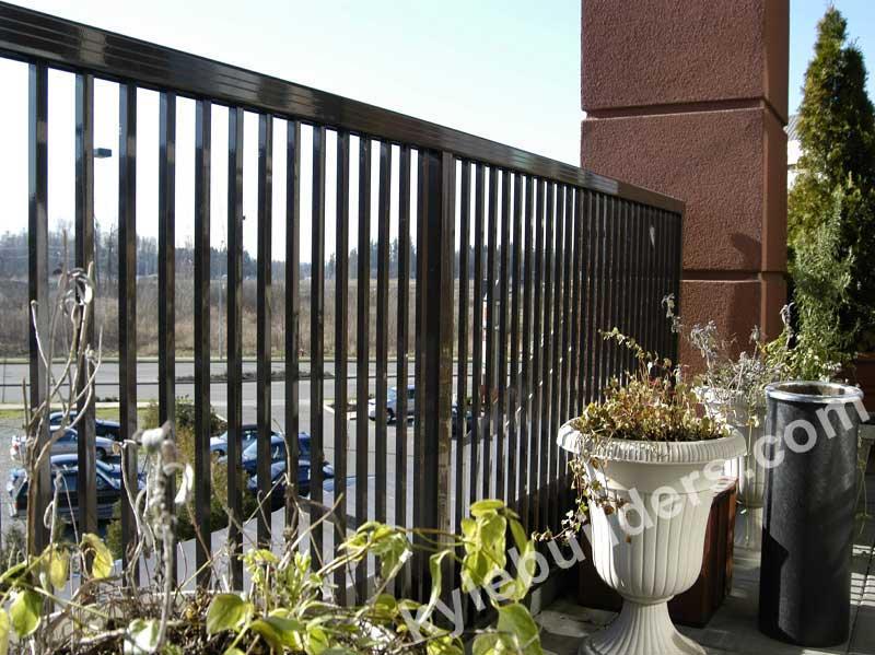 Kyle Builders Decks Aluminum Railing Fencing In Michigan
