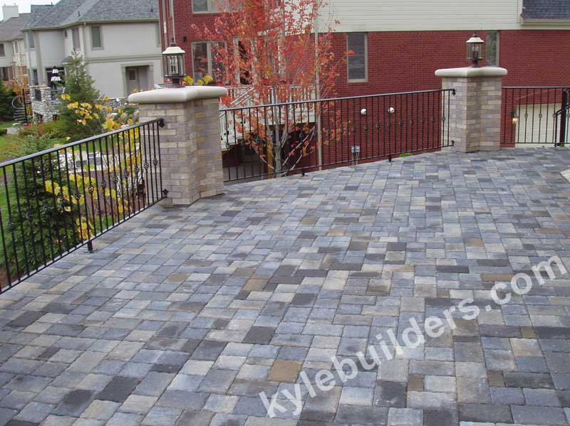 Kyle Builders Deck Floors In Southeast Michigan